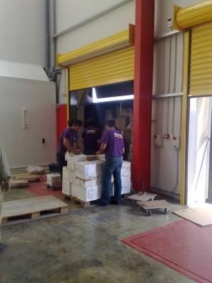 Μεταφορές εμπορευμάτων σε αποθήκη μας